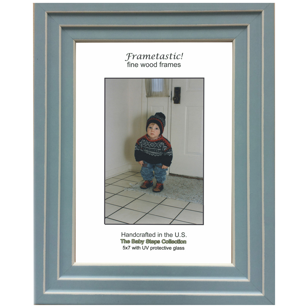 Contemporary photo frame with UV protective glass