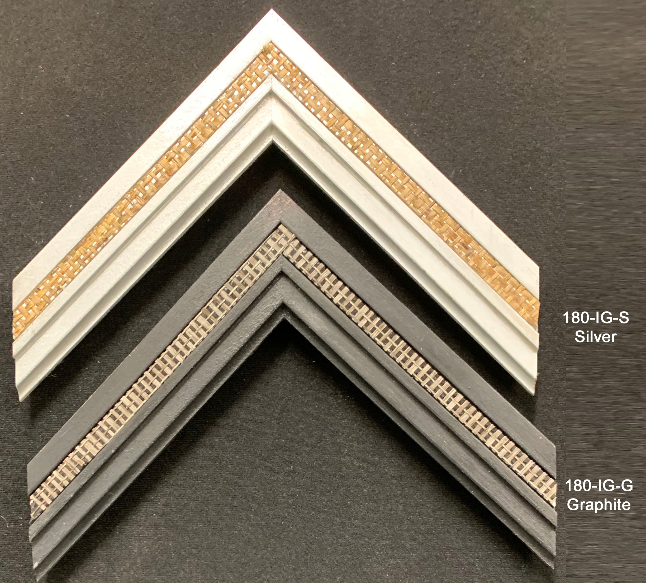 Grooved wood moulding with a basket weave insert